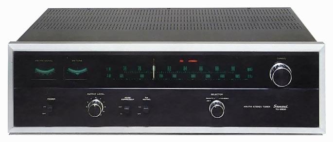 Allekirjoittaneen käytössä oleva järeä Sansui TU-9500 viritin vuodelta 1973. Kuva: Audio-database.com