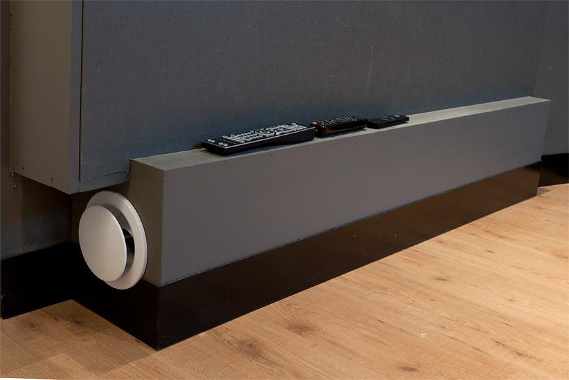 Ilmanvaihdon äänenvaimentimet ovat oleellisia. Pelkkä reikä seinässä pilaa äänieristyksen.